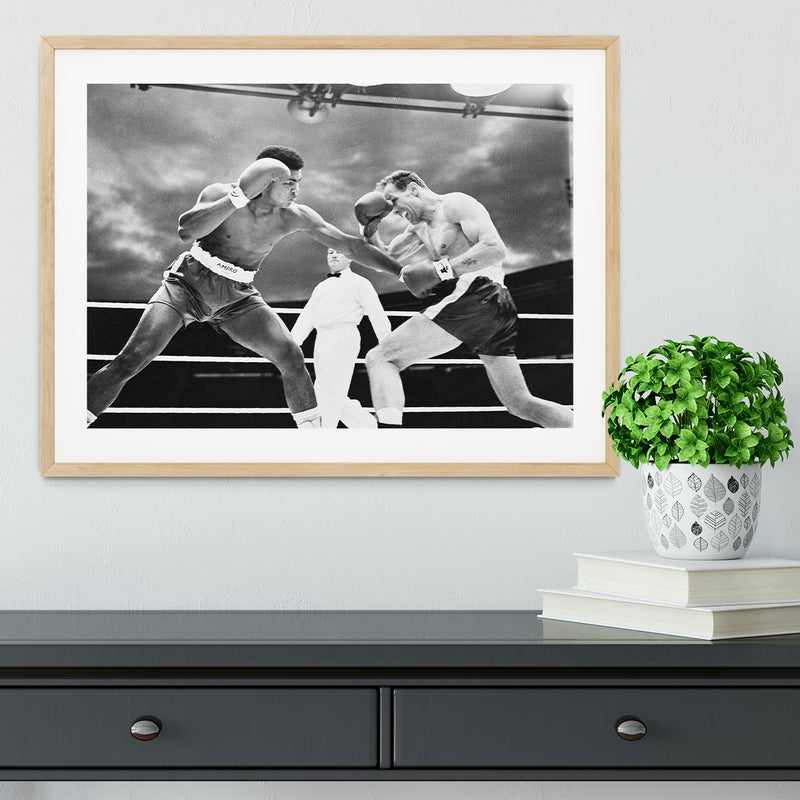 Muhammad Ali v Henry Cooper Framed Print - Canvas Art Rocks - 3