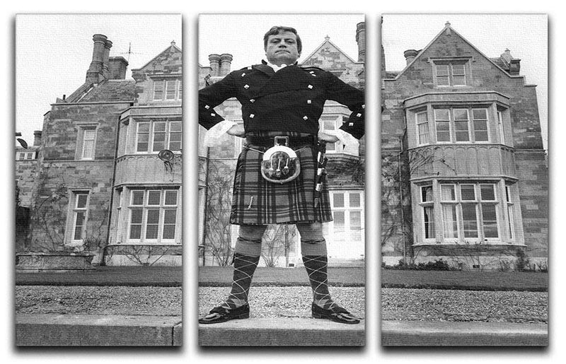 Oliver Reed in a kilt 3 Split Panel Canvas Print - Canvas Art Rocks - 1