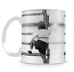 Prince William at Aberdeen Airport climbing stairs Mug - Canvas Art Rocks - 2