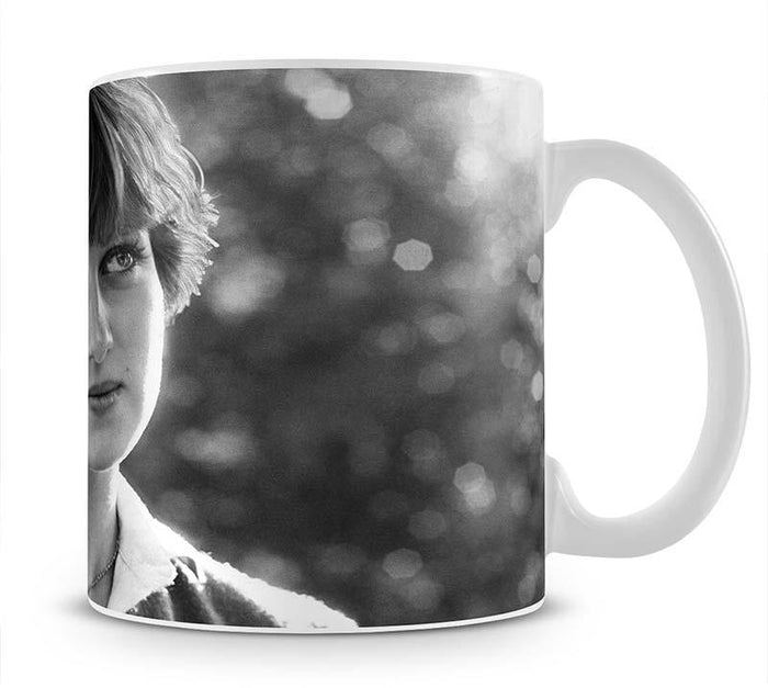 Princess Diana meeting the press for the first time Mug