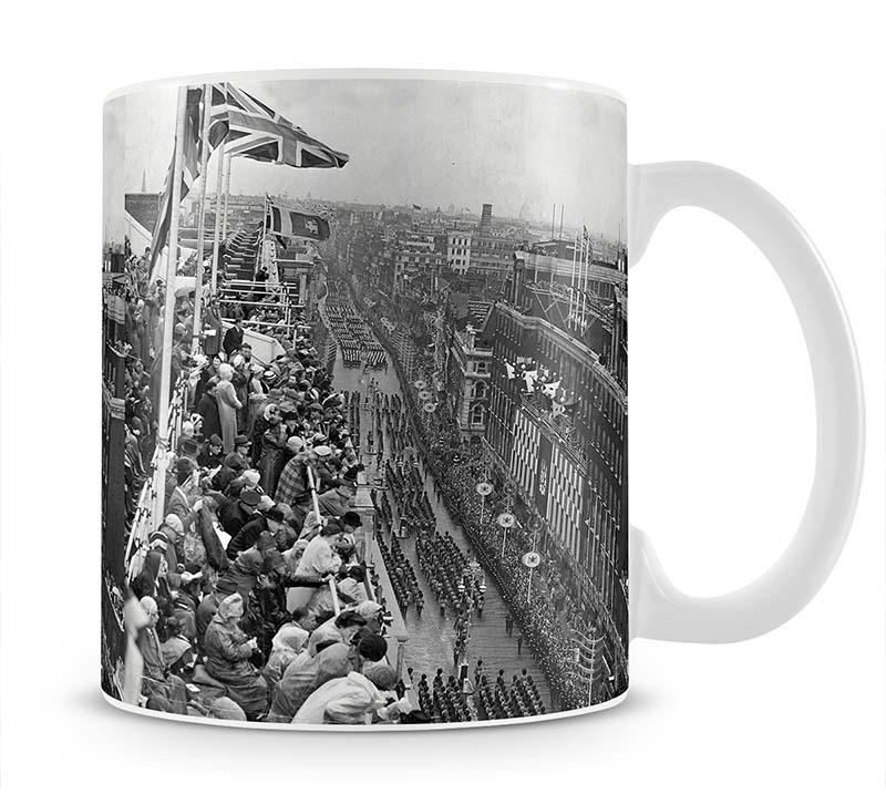Queen Elizabeth II Coronation procession pass on Oxford Street Mug - Canvas Art Rocks - 1