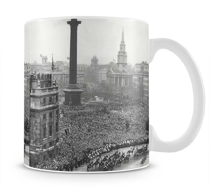 Queen Elizabeth II Wedding wedding coach in Trafalgar Square Mug - Canvas Art Rocks - 1