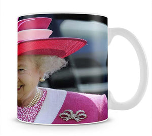 Queen Elizabeth II smiling at the Derby Mug - Canvas Art Rocks - 1