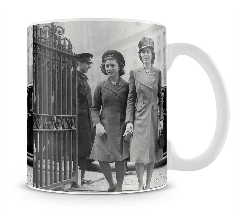 Queen Elizabeth II with Princess Margaret arriving at a wedding Mug - Canvas Art Rocks - 1