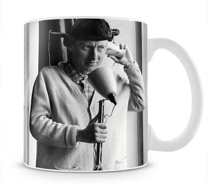 Spike Milligan makes a phone call Mug - Canvas Art Rocks - 1