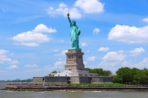 Statue of Liberty Wall Mural Wallpaper - Canvas Art Rocks - 1