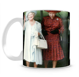 The Queen Mother on her 91st birthday with Queen Elizabeth Mug - Canvas Art Rocks - 2