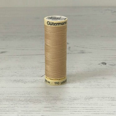Gütermann Sew-All Thread: 6