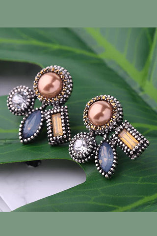 DT001E Elegant Pearl and Beads Earring - Multicolour