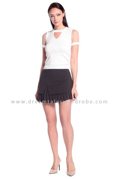 DT1025 Knitted Keyhole Top - White