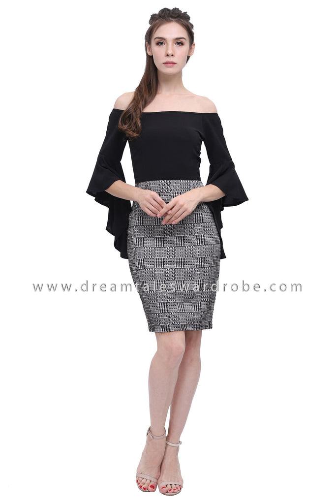 DT1185 Fluted Sleeves Checkers Blend Dress - Black