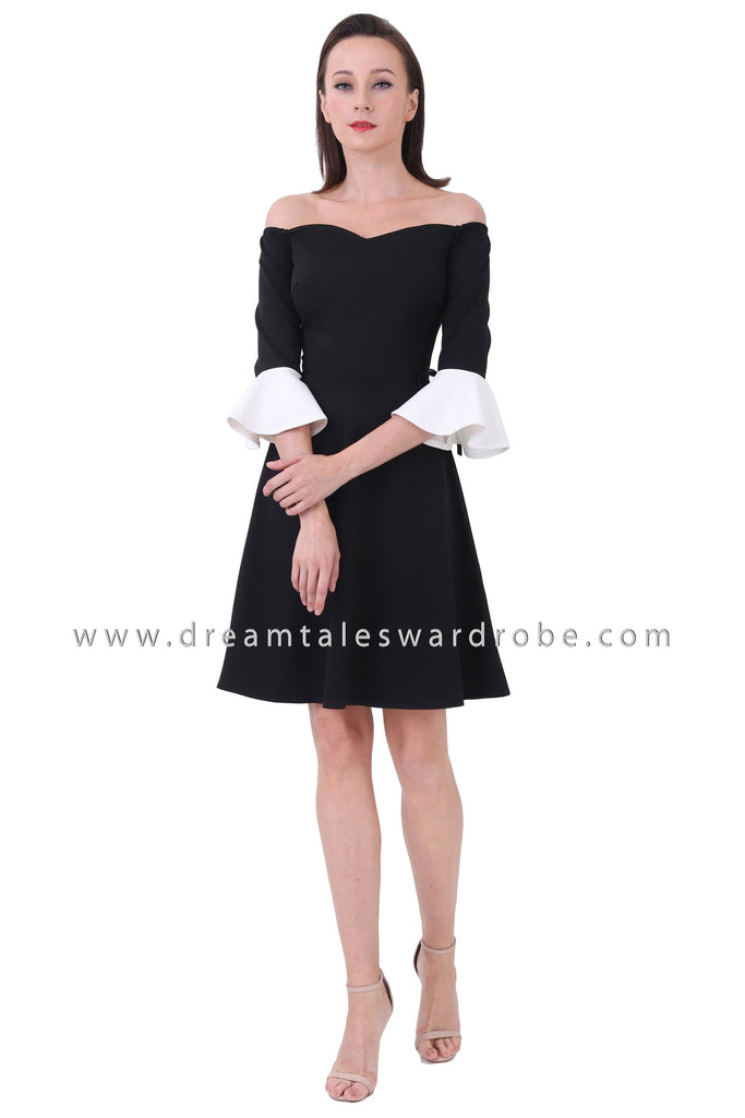 DT1221 Sweetheart Fluted Sleeves Fit & Flare Sleeves - Black