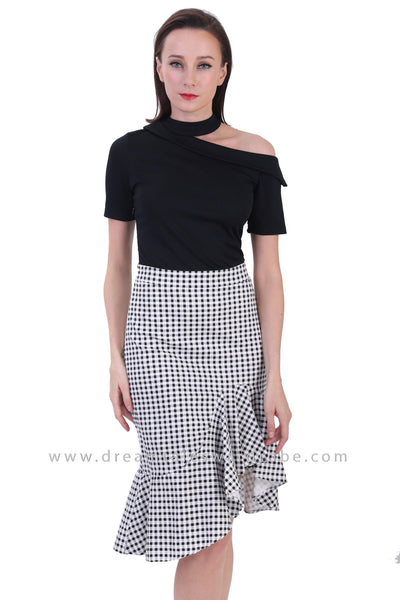 DT1228 Deconstructed Shoulder Contrast Checkered Dress - Black Checks
