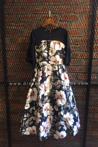 SDT0585 Floral Flare Sleeves Midi Dress - Black