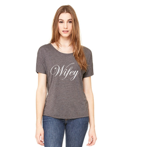 WIFEY GRAPHIC PRINT T-SHIRT