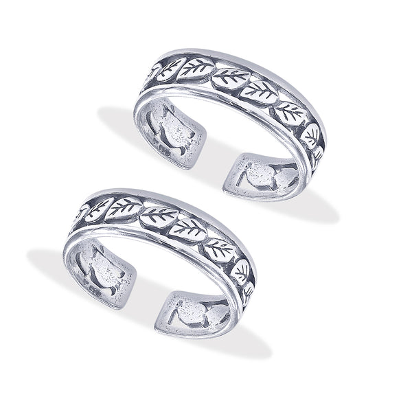 Taraash Sterling Silver Beautiful Cutwork Antique Finished Toe Ring For Women LR1179A