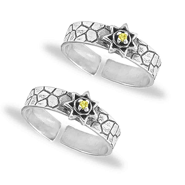 Taraash 925 Silver Elegant Designer  CZ Toe Ring For Women