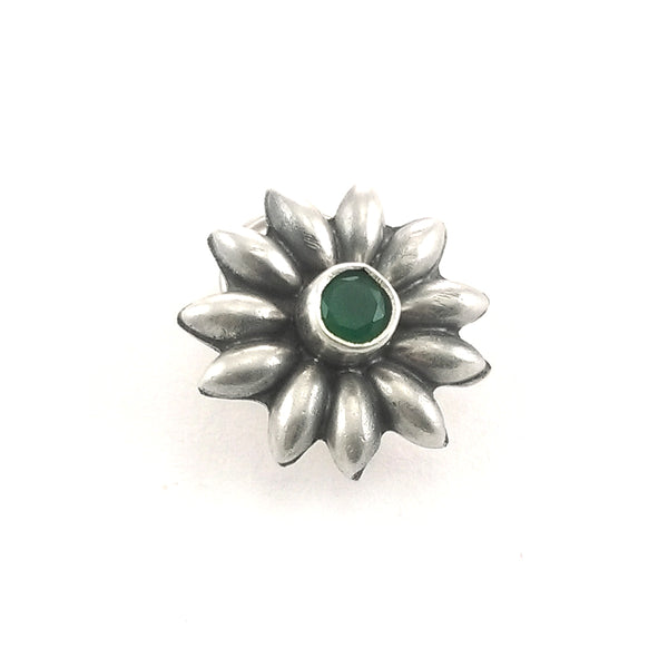 Taraash 925 Sterling Silver Floral Design Green Stone Nose Pins For Women NPM6014S