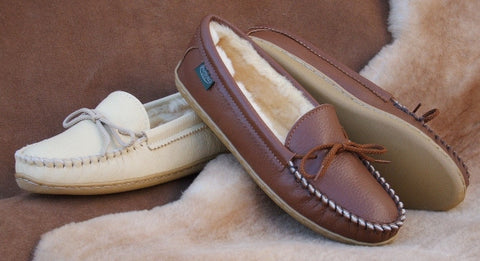 Women's Deertan Leather Slippers Molded Soles Sheepskin Lined Sizes 4-10 Made in USA - Omni Gift Shop