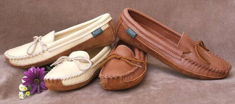 Women's Canoe Sole Deertan Leather Moccasins Cushion Insoles Sizes 4-10 Made in USA - Omni Gift Shop