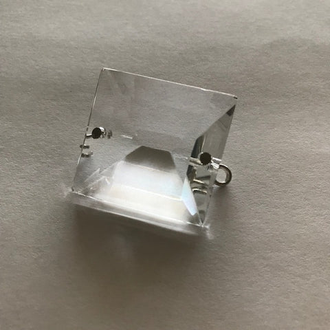 26mm, 2 hole Crystal Square,