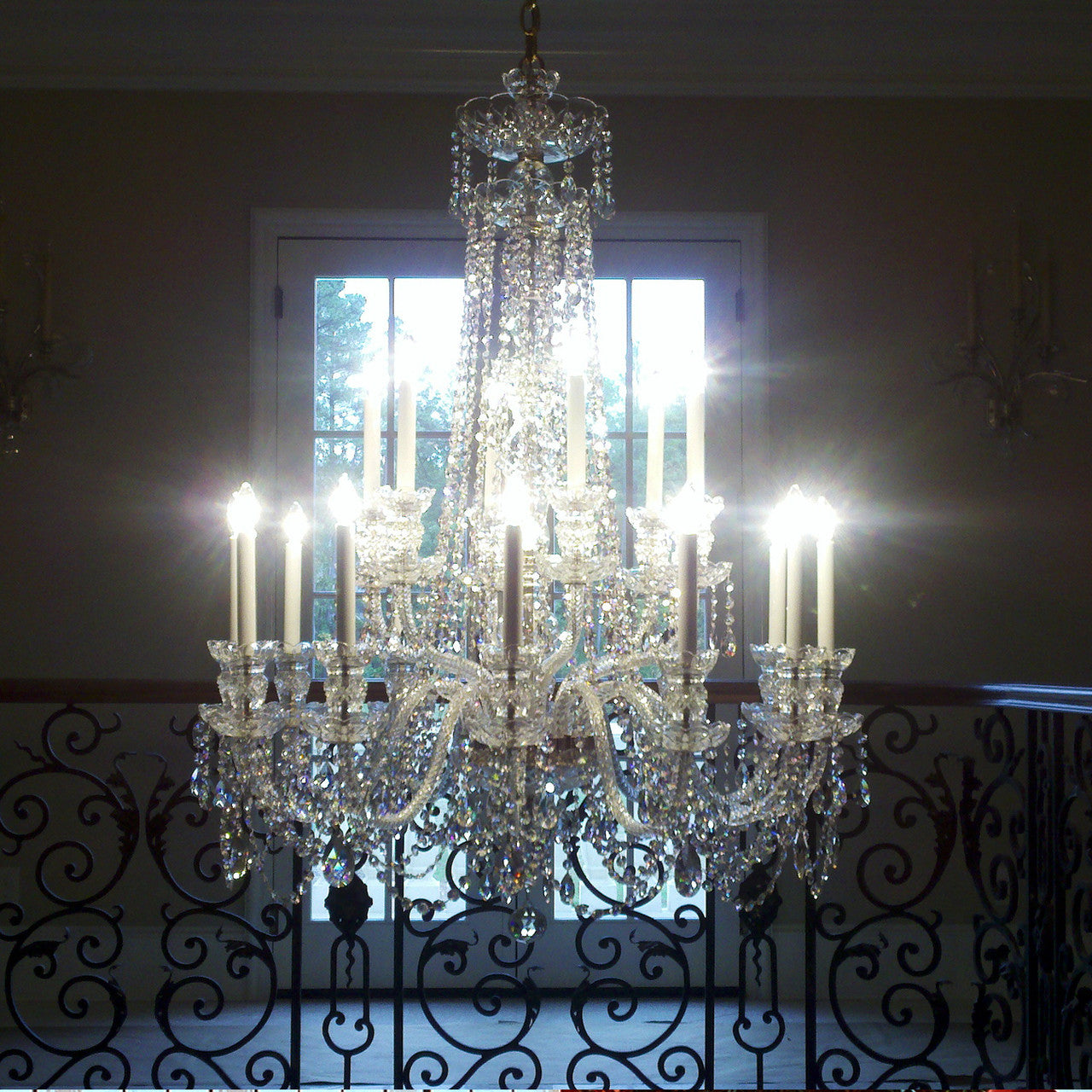 King 18 light crystal chandelier with swarovski 32 x 45 king in foyer arubaitofo Images