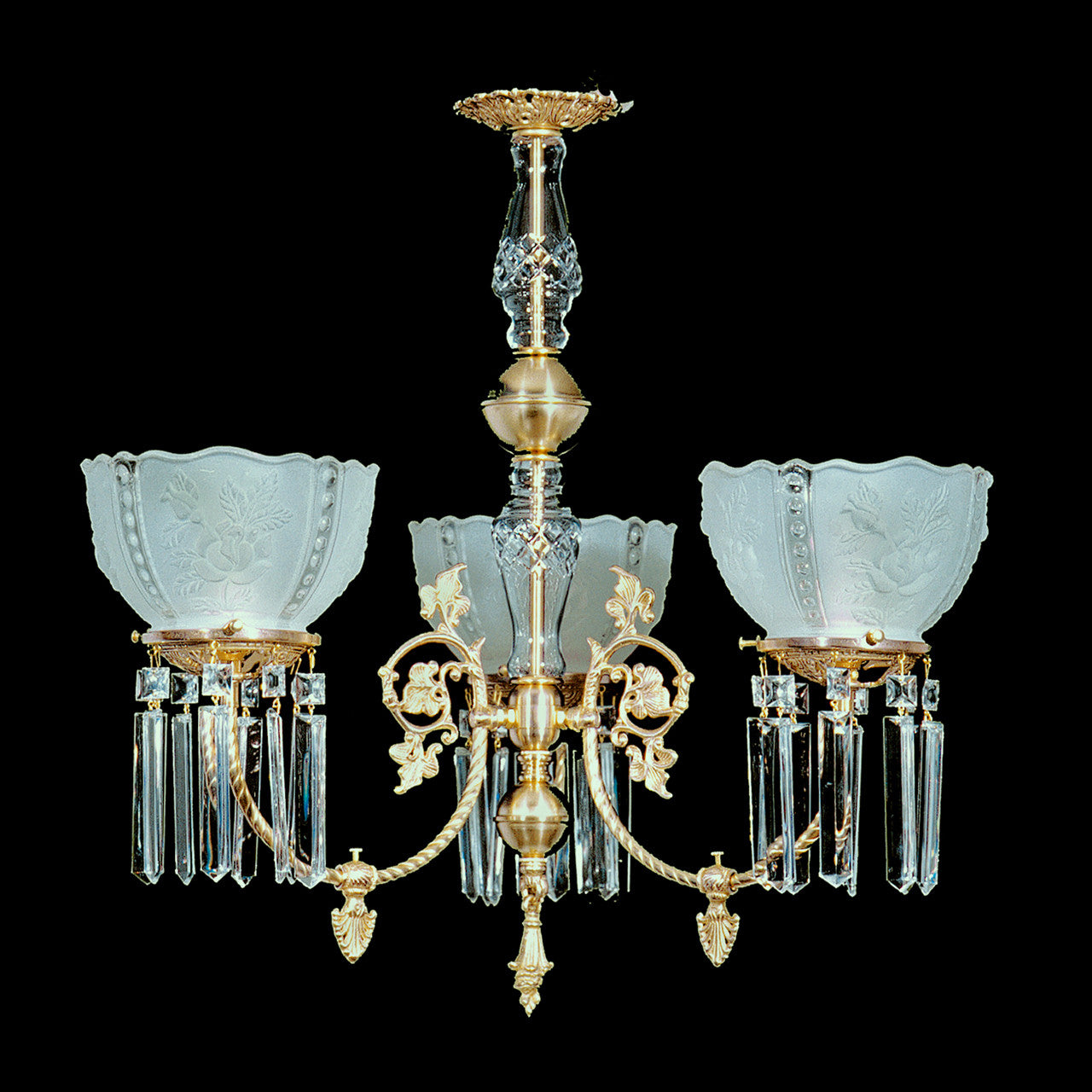 Oliver 3 Light Brass And Crystal Victorian Chandelier 25 X 23