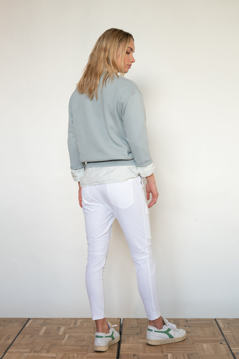 PENN&INK N.Y TROUSERS (S21N943) WHITE ON MODEL BACK