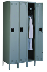 "72""W x 18""D x 72""H Sixteen Person Locker (Each opn. To be 12""w x 18""d) with Coat Rod, w/6""Legs, Knocked Down"