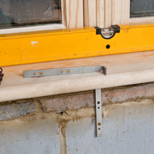 Window Board Tie
