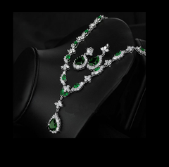 Emerald Showstopper Necklace