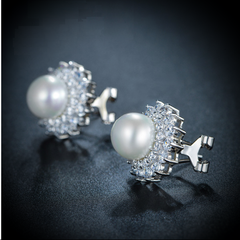 Flowerburst Pearl Earrings