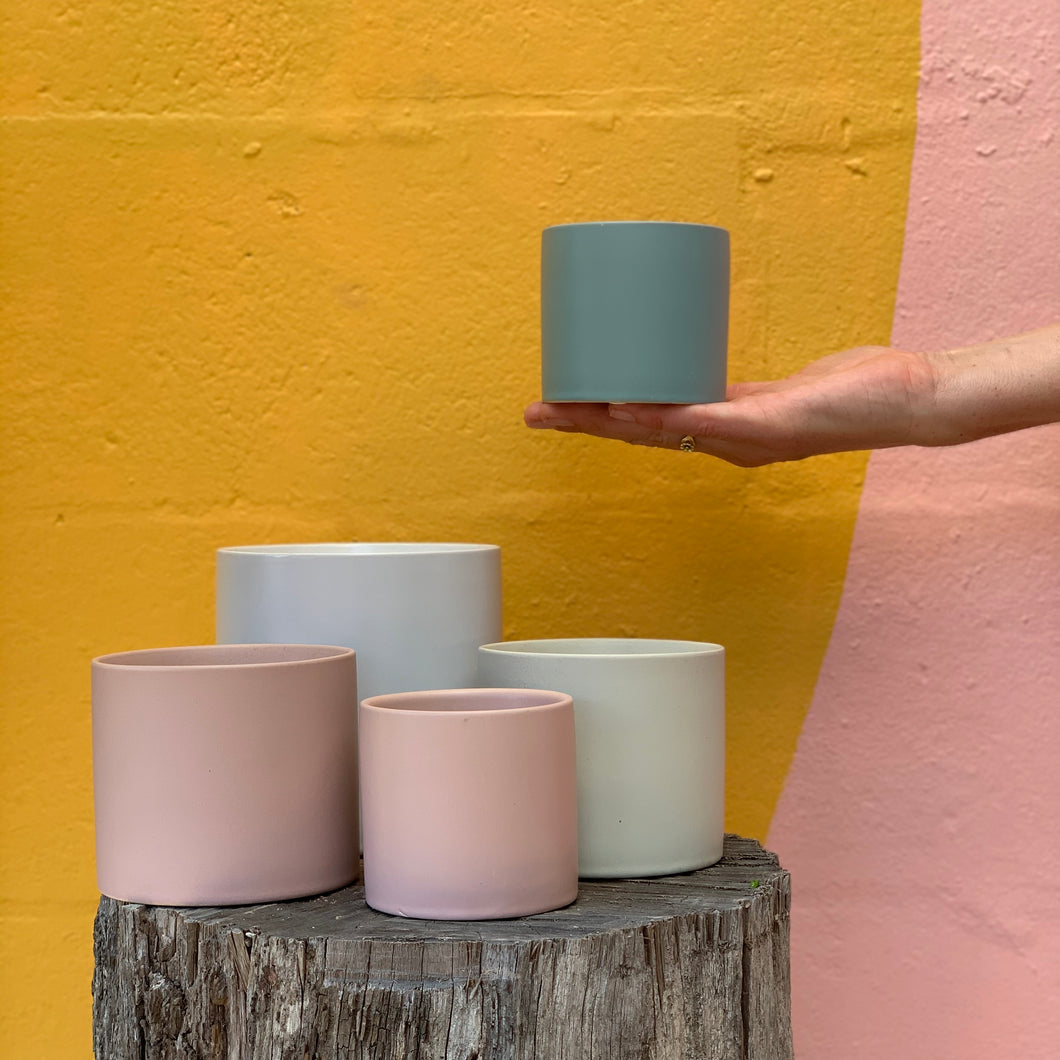 Thin Rim Ceramic Pot