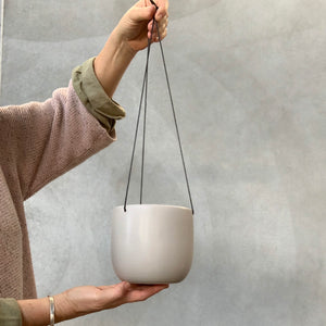 12cm Curved Hanging Ceramic Pot