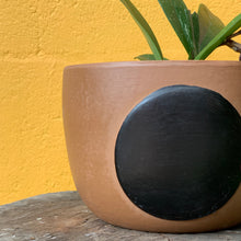 Load image into Gallery viewer, Full Moon Pot - Brown Black