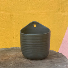 Load image into Gallery viewer, Alhoka Wall Pot