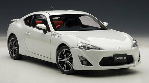 AUTOart TOYOTA 86 GT Limited 1/18 White