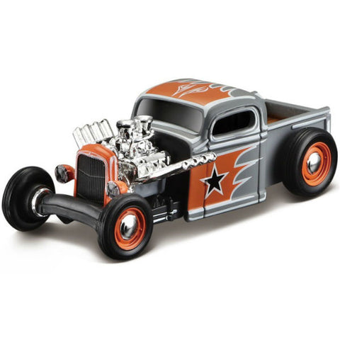 Maisto Max Grundy Outlaws 1936 Chevy Pickup 1/64