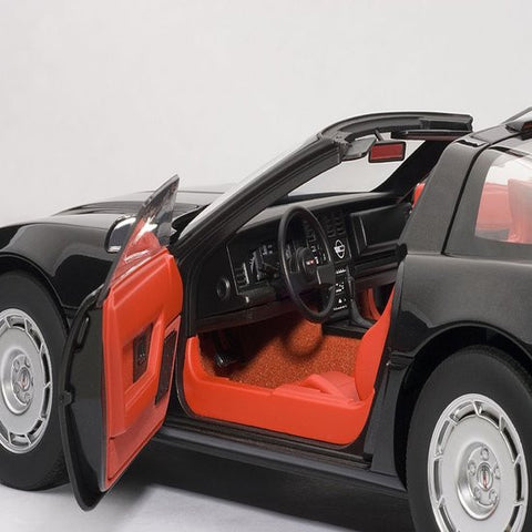 AUTOart 1986 Chevrolet Corvette 1/18 Black - Hobbytoys - 2