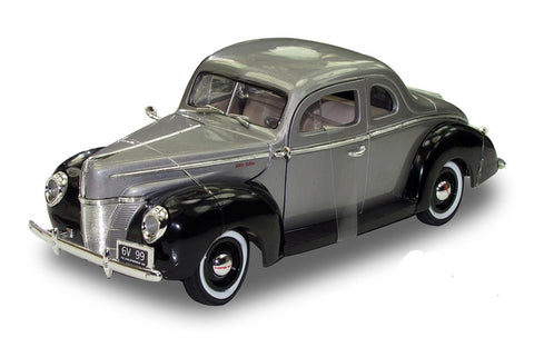 Motor Max 1:18 1940 Ford Deluxe
