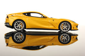 Bburago Ferrari Evolution 812 Superfast Yellow