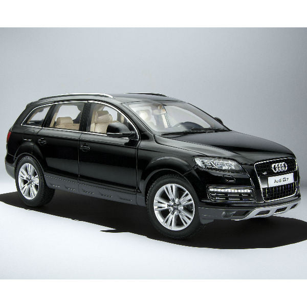Kyosho Audi Q7 Facelift 1/18 Black - Hobbytoys