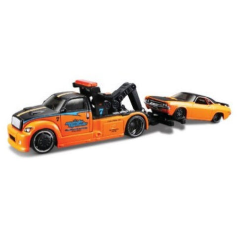 Maisto Elite Transport Tow Vehicle with 1970 Dodge Challenger R/T 1/64