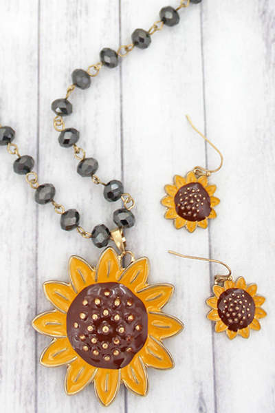Sunflower Beaded Necklace Set