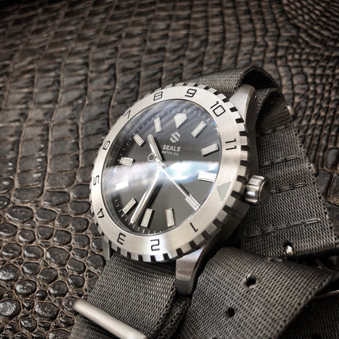 Dark Seal 200M Water Resistant Automatic Sport Watch