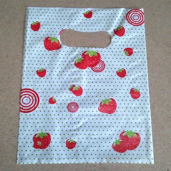PG-099 Strawberries Shopping Bag - Pack of 100  - DisplayImporter.com