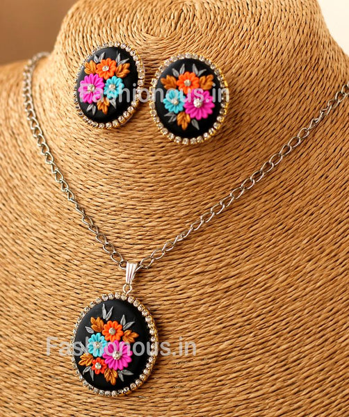 Black Muti Floral Neclace and Earrings-ZAPCNS-039