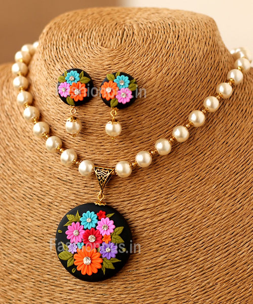 Black Muti Floral Pendant with Glass Pearls and Earrings-ZAPCNS-045