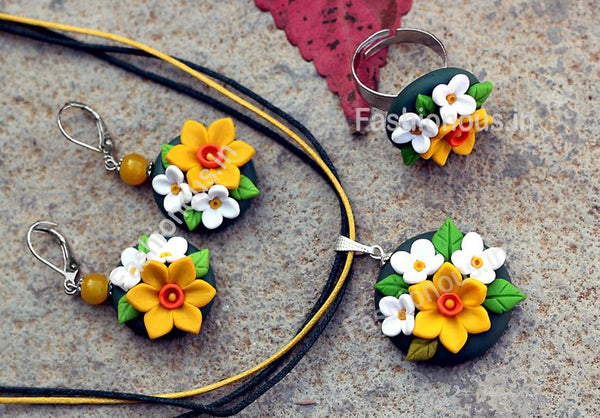 Black Yellow Daffodil Pendant Set-ZAPCNS-038