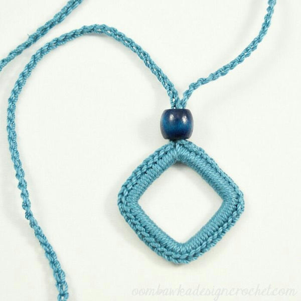 Handmade Pendent Crochet Jewellery Set inTurquoise Color Angle Design